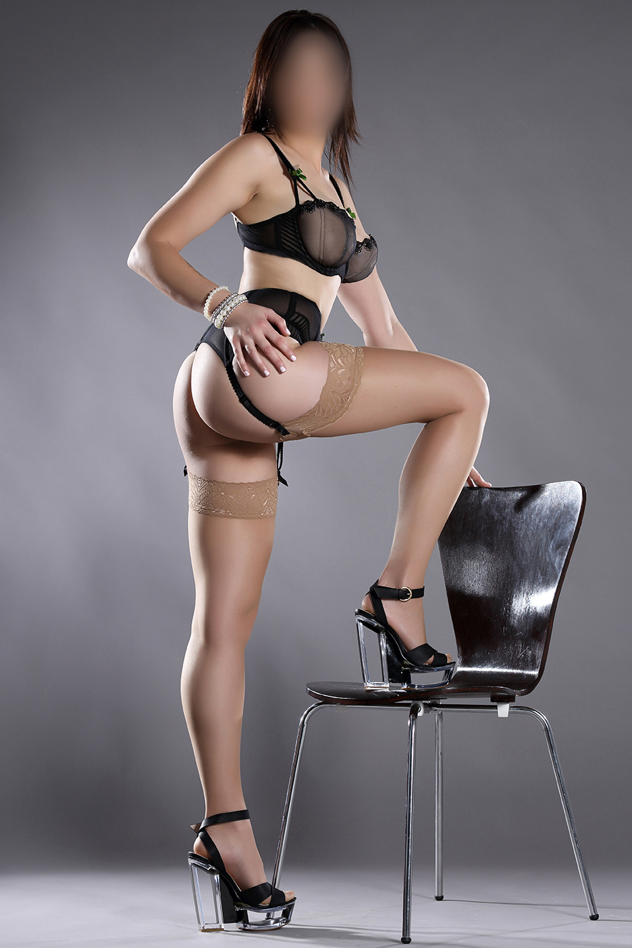 New pics of stunning Leeds escort Bonnie just added x