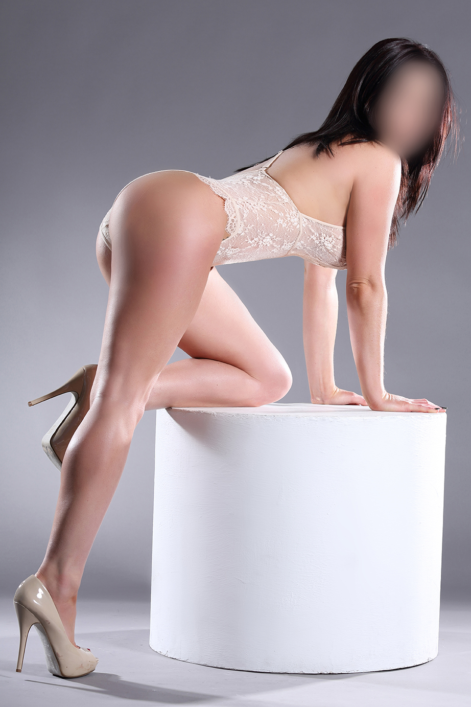 Brand New - Complete Natural Beauty brand new to escorting, Carmen x